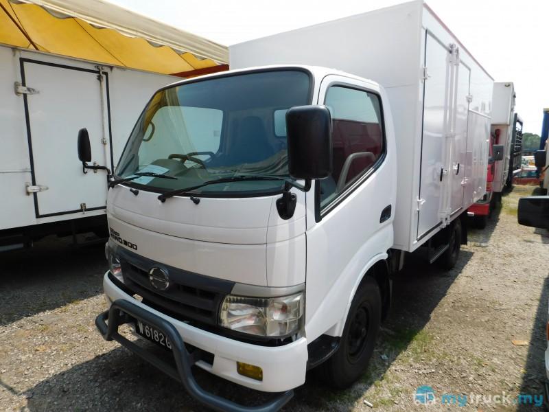 8796 - 2013 Hino WU30R(UBS) 5,000kg