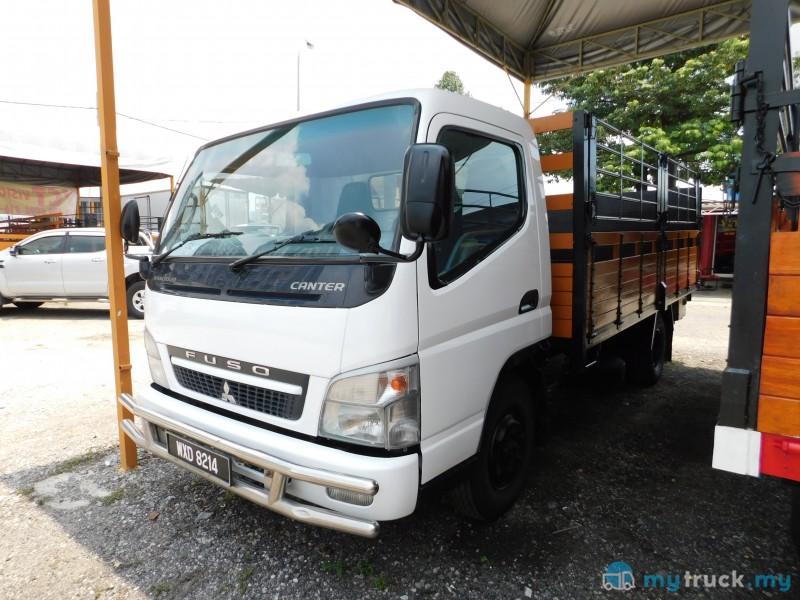 #7946 - 2012 Mitsubishi-Fuso FE83PE WITH TAIL LIFT 5,000kg